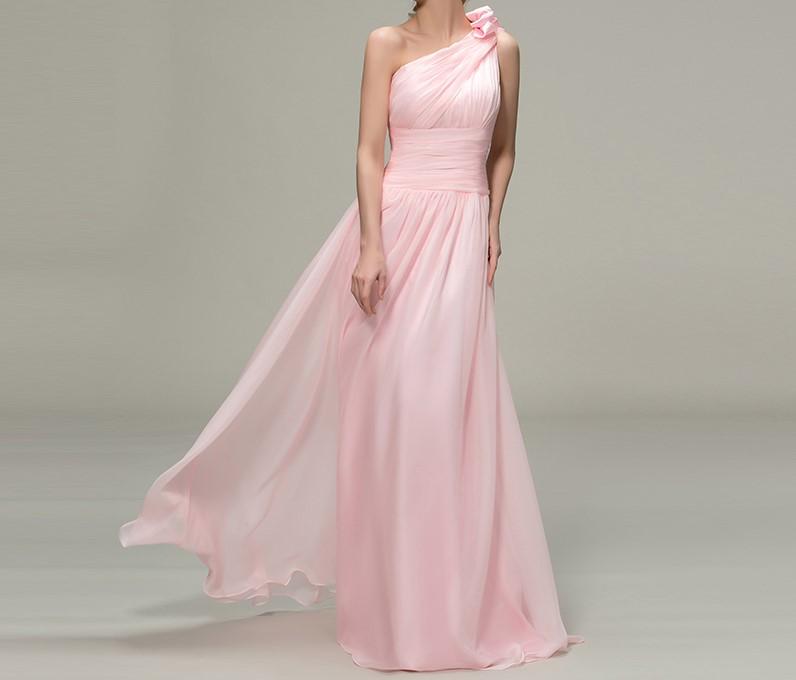 robe de demoiselle d 39 honneur tissu fluide et l ger rose. Black Bedroom Furniture Sets. Home Design Ideas