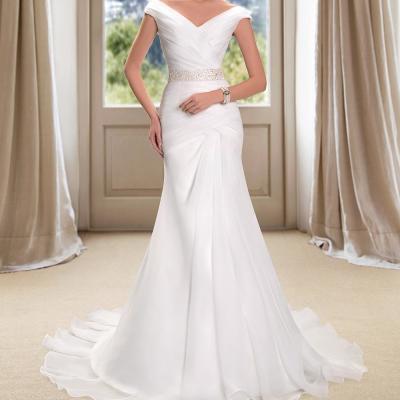 Robe de mariée silhouette sirène col V
