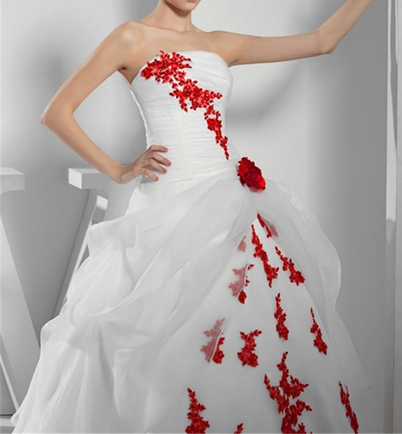 robe de mariée princesse blanche et rouge