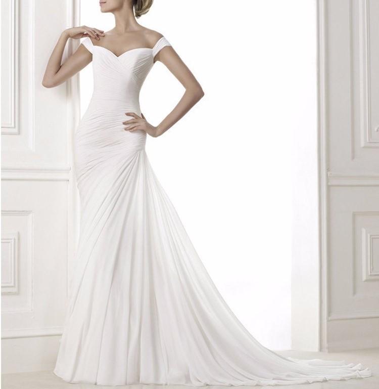 robe de mariée blanche avec traine