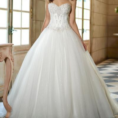 robe de mariée princesse avec strass et paillette