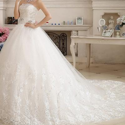 robe de mariée blanche longue traîne