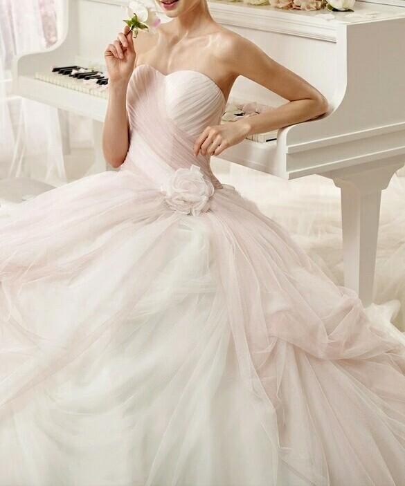 robe de mariée dégradé de couleur