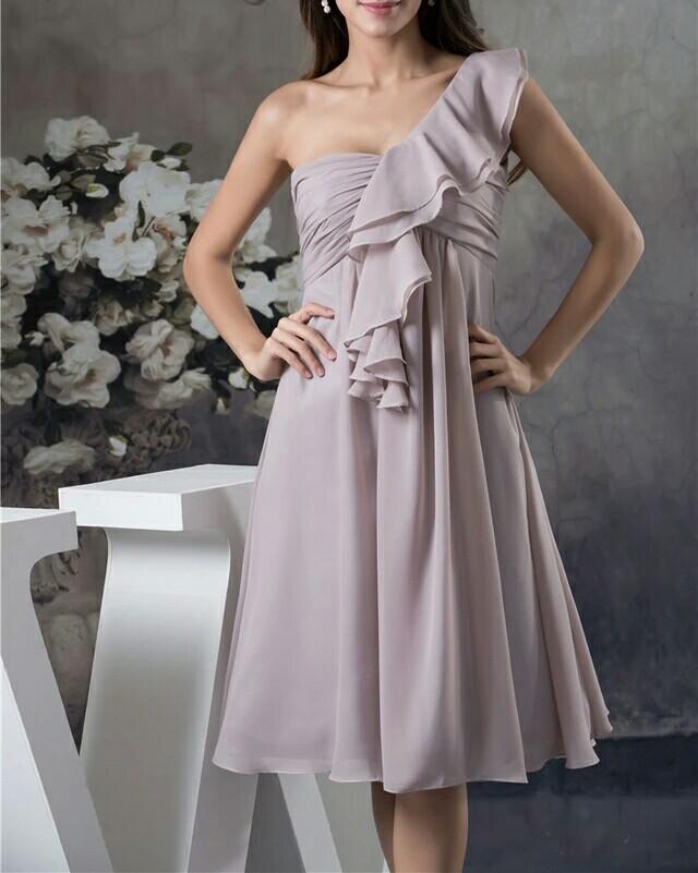 robe de soirée nude courte
