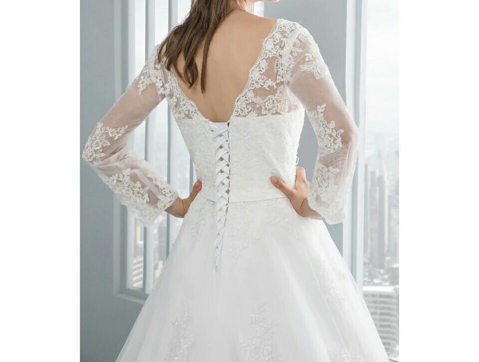 robe princesse laçage dans le dos