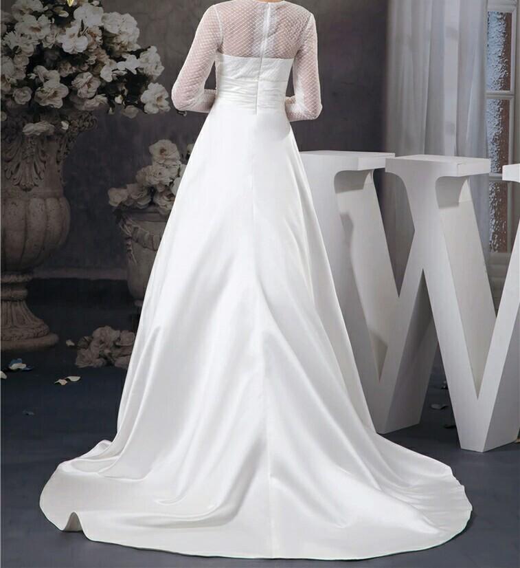 robe de mariée satin pour l'hiver