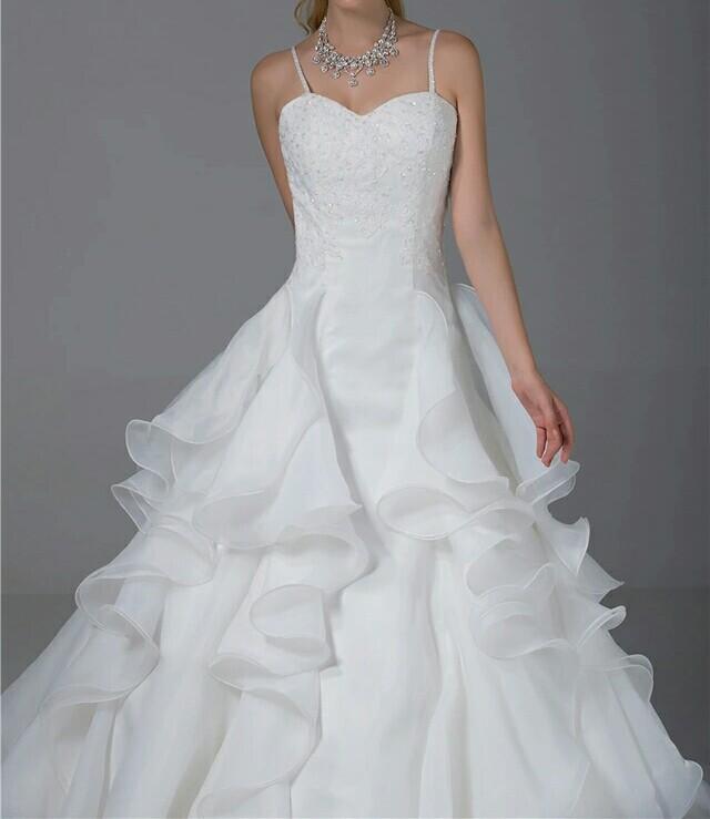 Robe de mariée à fine bretelle
