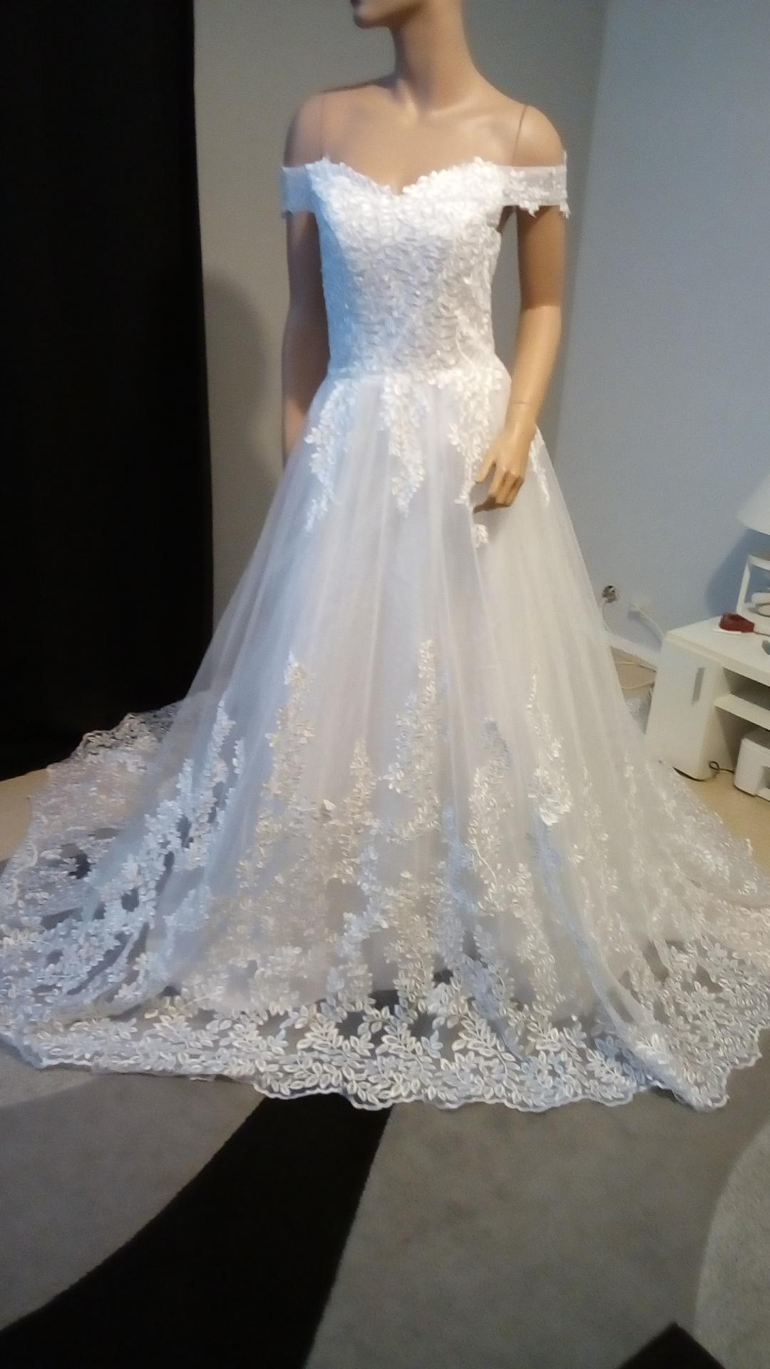 robe de mariée crée par tenuesdesoiree.com