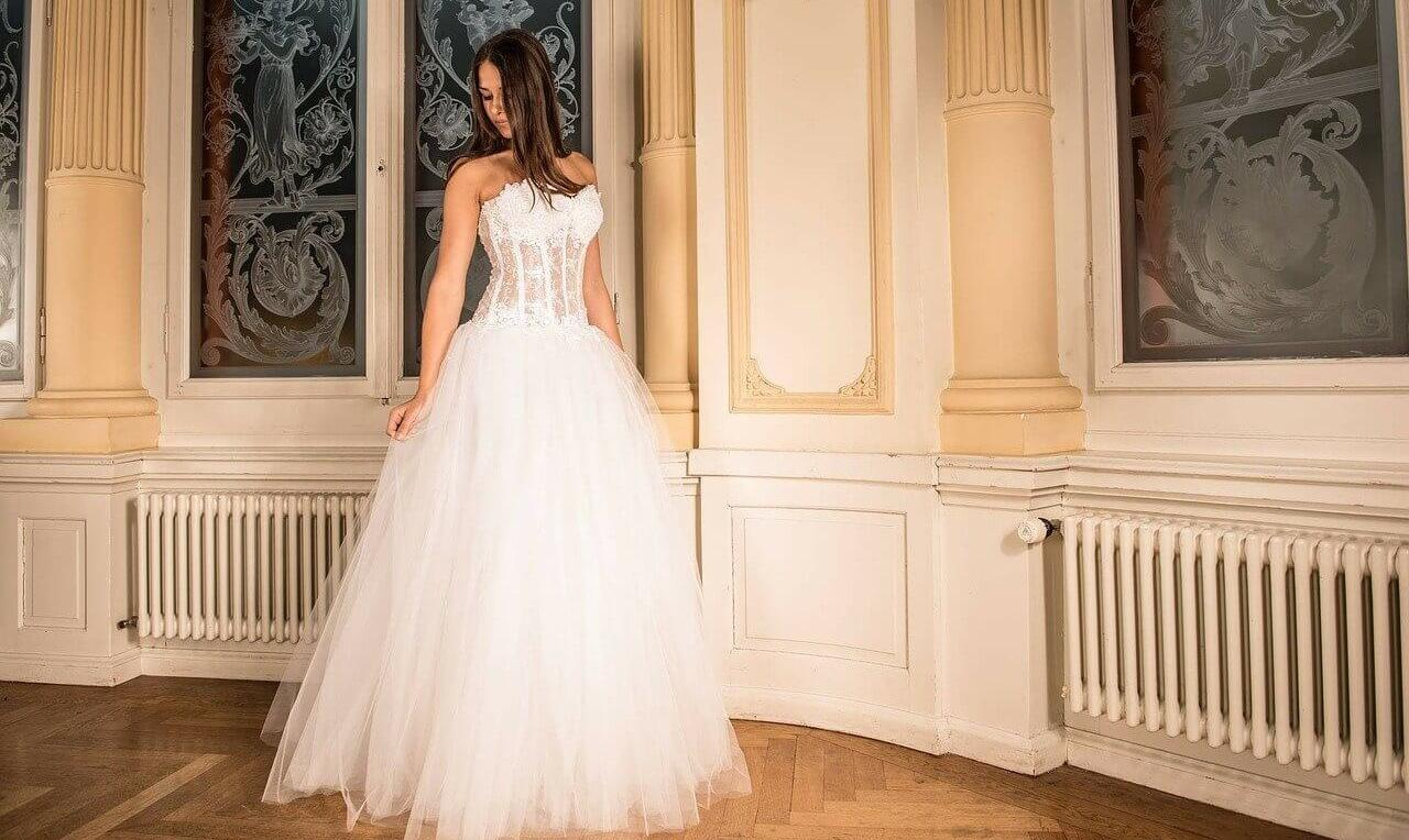 Une robe de mariée + un jupon acheté, 30€ OFFERT!
