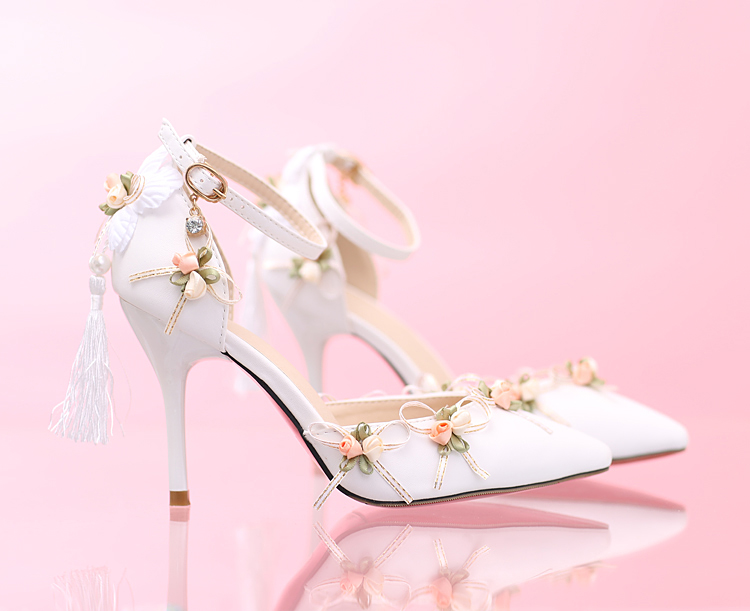 Chaussure de mariée fleuries