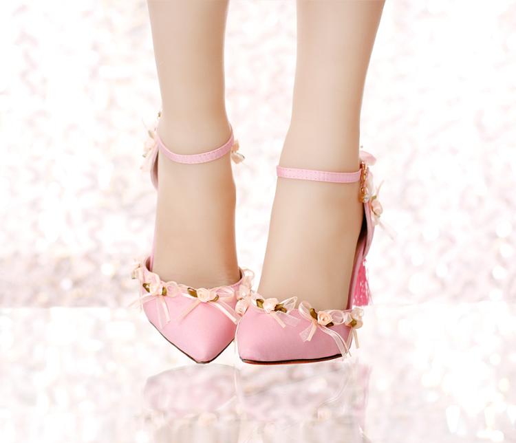 Rose satin tissu bout pointu ultra hauts talons chaussures de mariage gland talons minces dentelle fleur 2