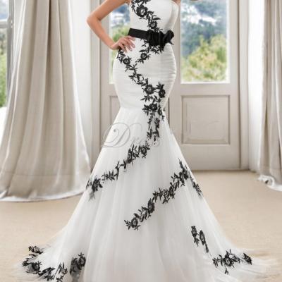 Vente chaude plus la taille robe de mariee sirene bretelles tribunal train blanc et noir appliques